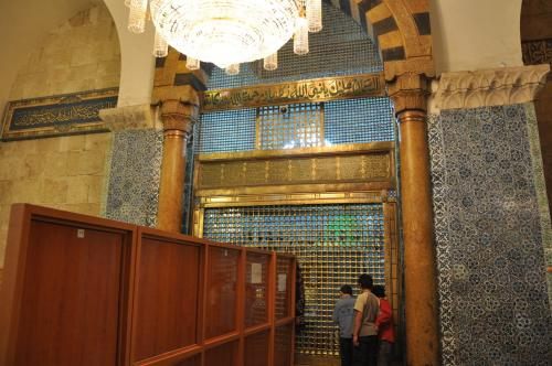 Tomb of Zachariah is located in the Umayyad Mosque